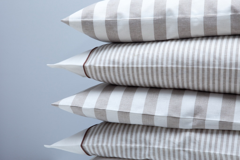 How to clean pillow covers in special fabric