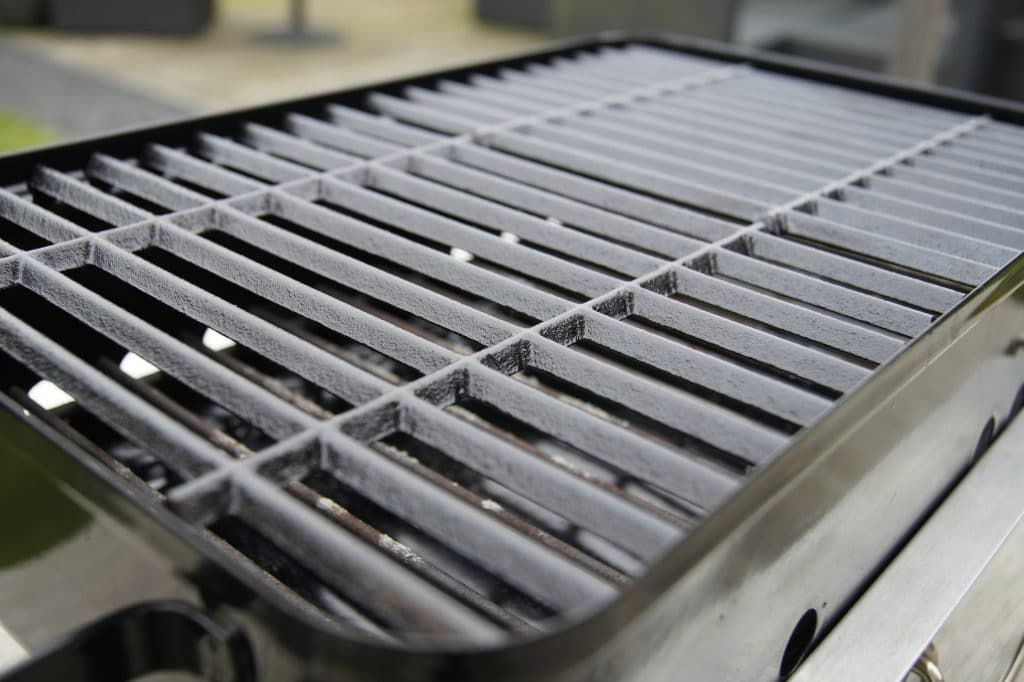 How to Clean Cast Iron Grates Properly with 3 Steps